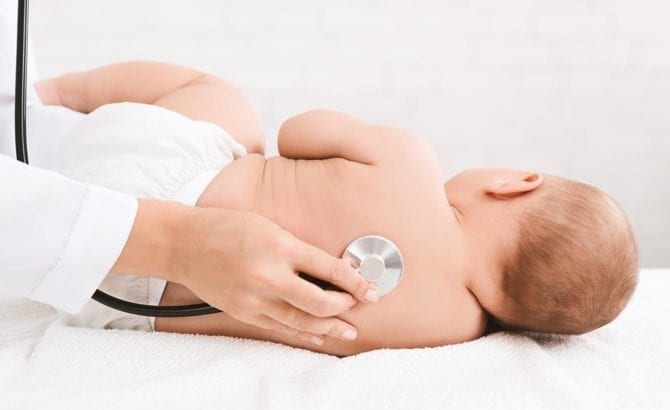 bebe medico estetoscopio