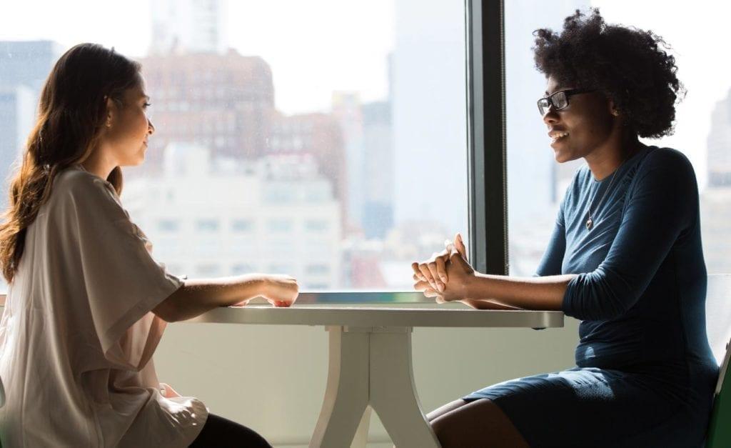 reunion mujeres ventana